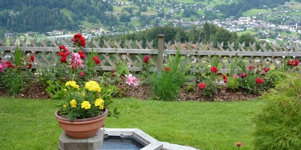 Haus Stocker Gartenaussicht
