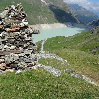 Cairn at the Lac de Moiry