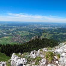 Ausblick vom Gipfel: Inntal Richtung Rosenheim