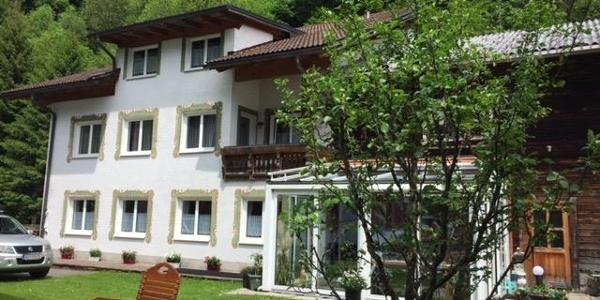 Gästehaus mit Wintergarten