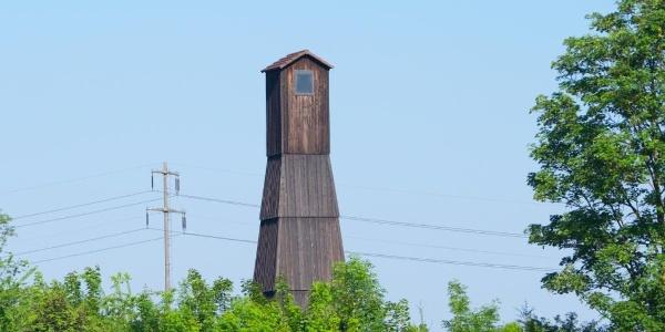 Salzbohrturm der ehemaligen Saline Schweizerhalle