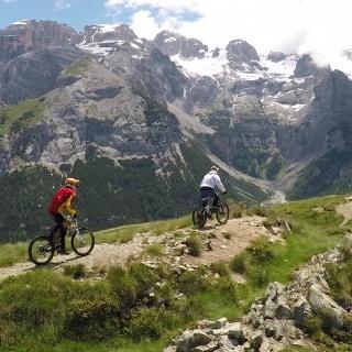 Estate-Trail Cavradoss-Panoramica Doss 1-Foto C.Boghi