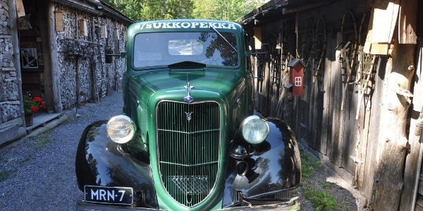 Herrankukkaro old car