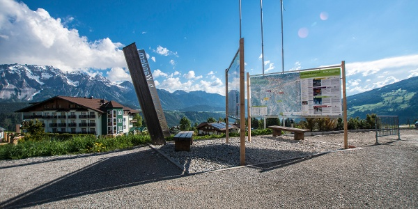 Hiking trail head at the valley terminal of Hochwurzen cable-car