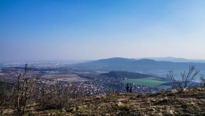 Ausblick auf Budapest von der Spitze von Nagy-Kevély