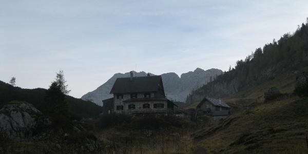 Die Pühringerhütte in der Früh (08.10.2014)