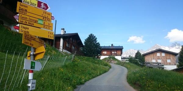 Abzweigung in Cavorgia nach Stagias