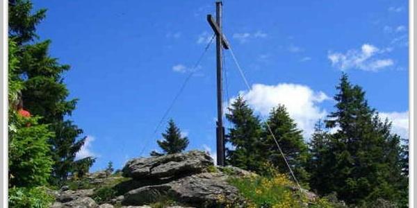Kleiner Arber mit Gipfelkreuz
