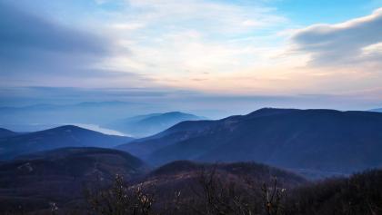 Panorama von Dobogókő im Winter