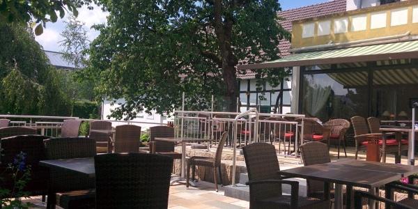 Große Terrasse Schulze Ladencafé Borgholzhausen