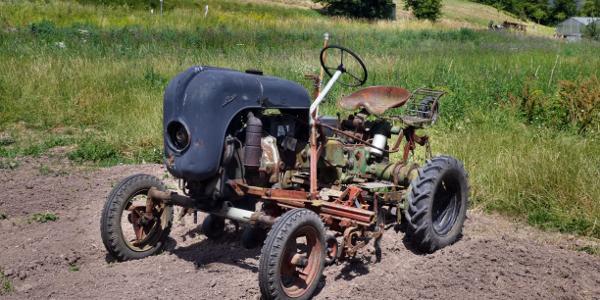 Allgaier-Traktor Bj. 1952 mit Porschehaube