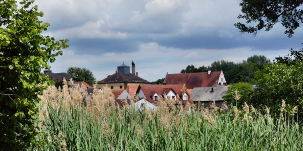 Trabelsdorf mit Rathaus/Schloss und ehemaliger Schlossbrauerei