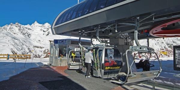 Gute Skifahrer können ab Sunnegga ins Gebiet Rothorn gelangen.
