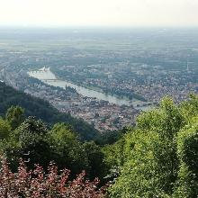 Blick vom Königsstuhl auf Heidelberg und den Neckar