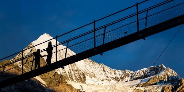 C'est un record du monde: le plus long pont suspendu au monde au-dessus de Randa, près de Zermatt