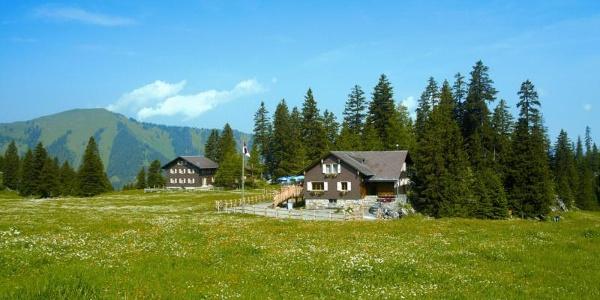 Berggasthaus Älggialp am Mittelpunkt der Schweiz