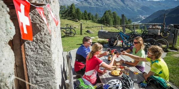 Geniessen auf der Alp Muntatsch