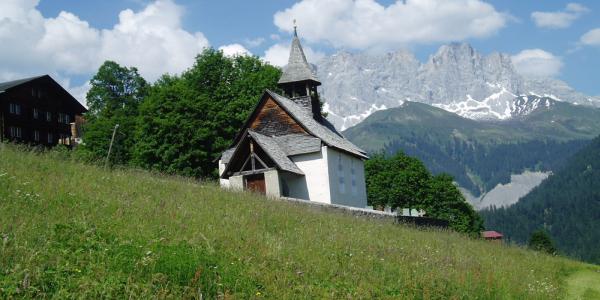 Kirchli im Bergdorf Schuders 1272 m ü.M.