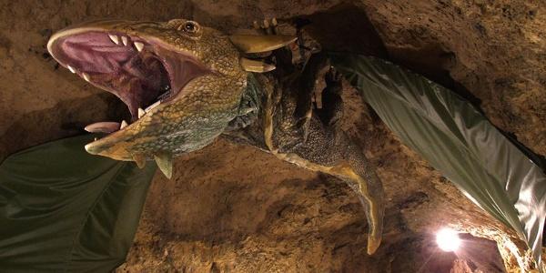 A tettyei Mésztufa-barlang sárkánya