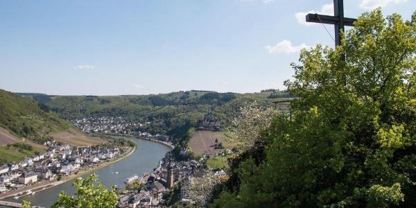Blick vom Pinnerkreuz auf Cochem