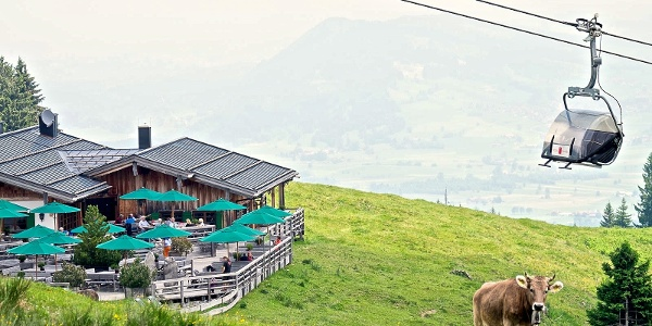 Weltcup-Express und Weltcup-Hütte in Ofterschwang