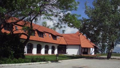A szállás épülete