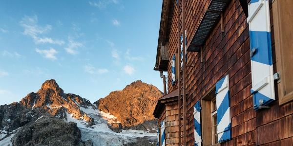 Blick von der Saarbrücker Hütte zum Großen Litzner
