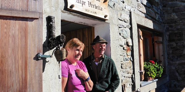 Hirte Raimund mit Frau und Wirtin Martina