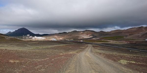 Einer von vielen Panoramablicken auf Islands usprüngliche Vulkanlandschaften.