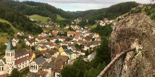 Blick vom Kreuzfelsen auf Lauterbach