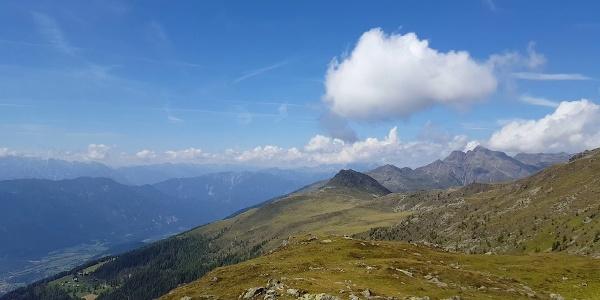 Gipfelblick vom Naßfeldriegel