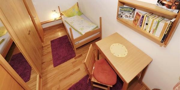 2. Zimmer, Bett als Stockbett erweiterbar