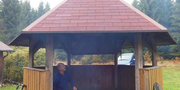 Grillhütte, Feuerplatz