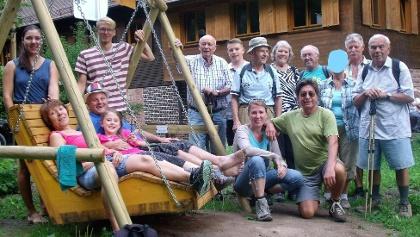 Die Wandergruppe an der Hütte