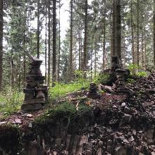 Steinmännchen am Wegesrand