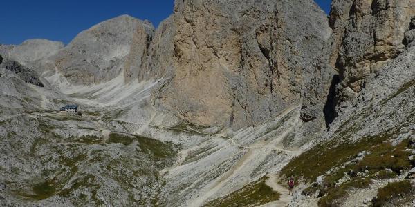 Blick ins Antermoiatal vom Passo de Dona zur Antermoia-Hütte (2.496m)