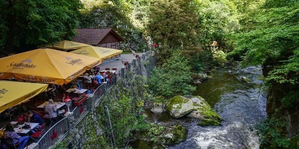 Der idyllische Biergarten Königsruh im Bodetal