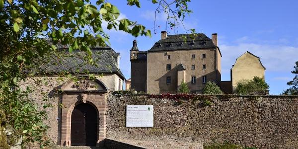 Eingang mit Burgtor
