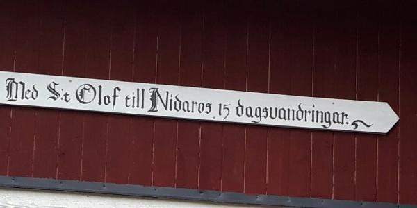 Skylt på etappen Järvsö till Färila, vid gården Stölpas