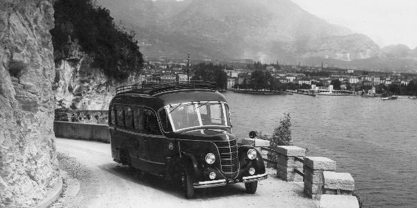 Foto d'epoca: la strada del Ponale