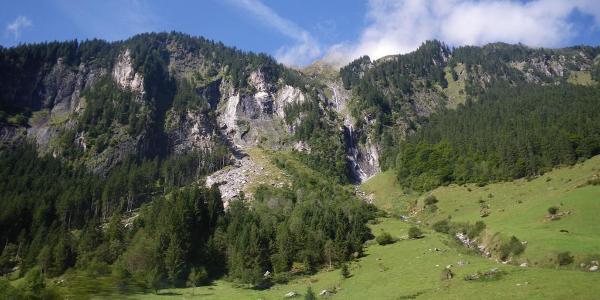 ... die Alpenüberquerung: Schlegeisstausee - St. Jakob - auf der Busfahrt zum Schlegeisstausee