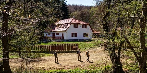 A Szalajka-ház és a hozzá vezető út