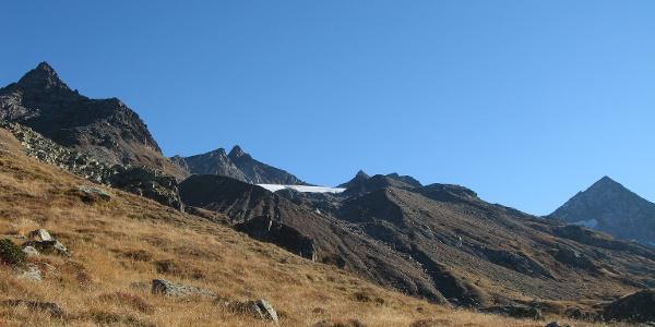 Piz Gannaretsch, links vom Gletscher