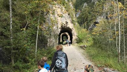 Zugang Tunnelkette