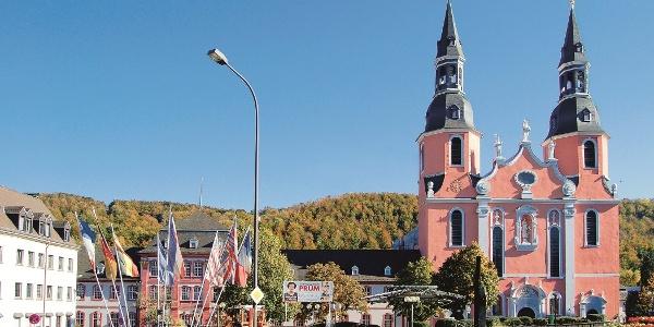 Vulkaneifel-Pfad: Schneifel-Pfad_Basilika in Prüm