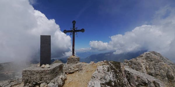 Gipfelkreuz der Cima Carega