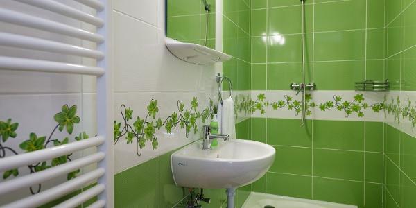 A fürdőszoba is a természetet idézi (Pazsagi Turistaház)
