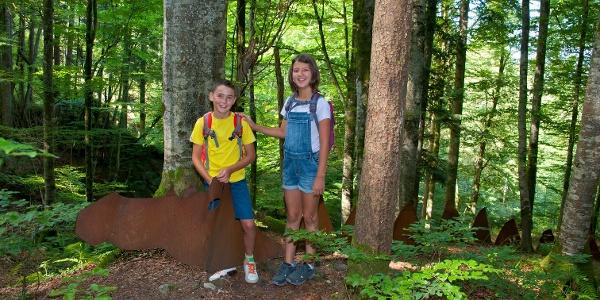 Kinder im Sagenwald
