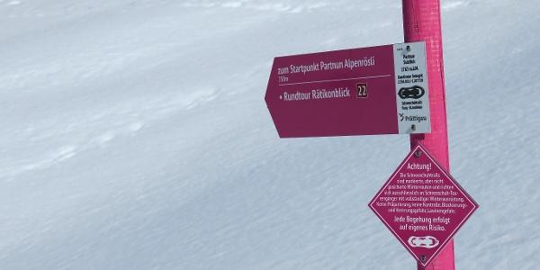 Der Schneeschuhtrail Rätikonblick ist pink markiert.