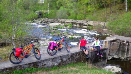 You'll find exciting picnic places at the Mustijoki River rapids